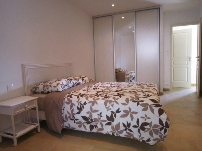 Vacation rental apartment Cavalaire sur mer 420€ - Picture 7