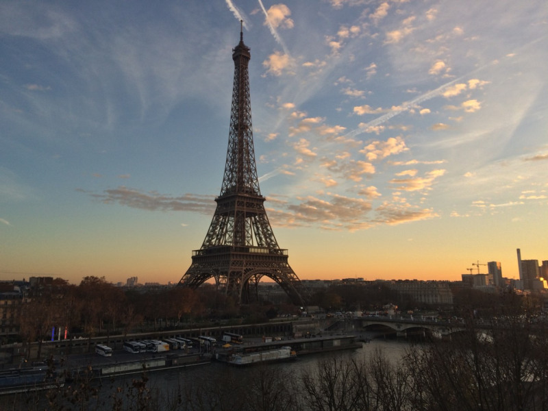 Location appartement Paris 16ème 1800€ CC - Photo 1