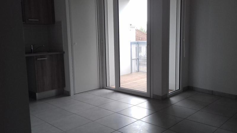 Location appartement Villenave d'ornon 583€ CC - Photo 2