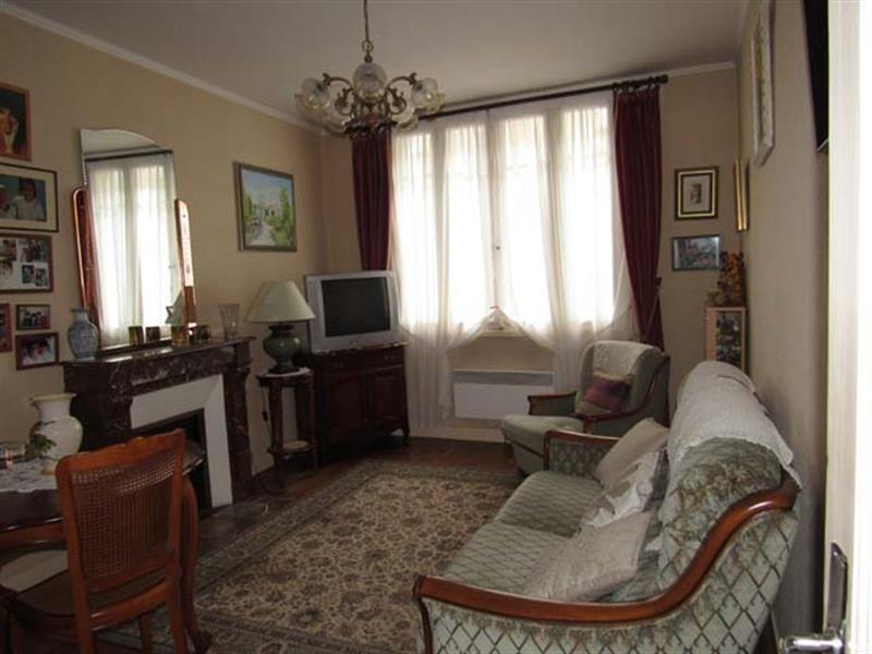 Vente maison / villa Saint-jean-d'angély 169600€ - Photo 2