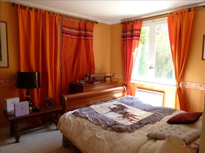 Sale house / villa Montfort-l'amaury 390000€ - Picture 6