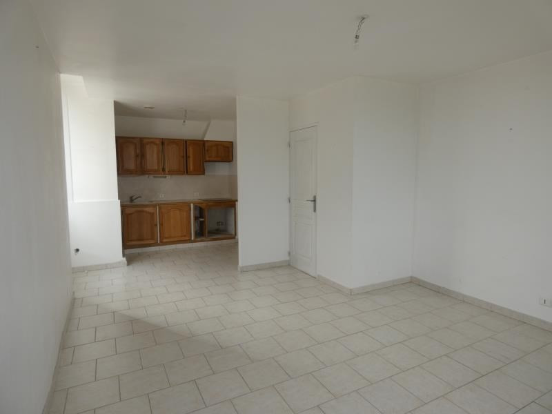Location appartement Cruas 455€ CC - Photo 1