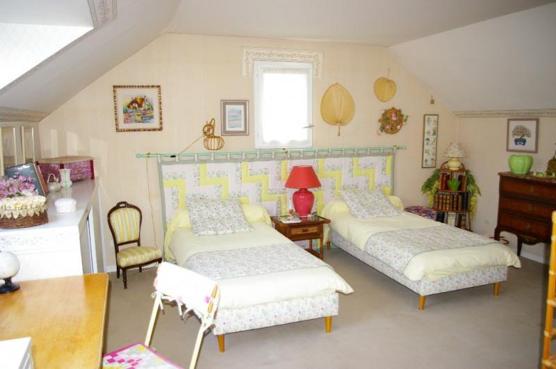 Sale house / villa Carrieres sous poissy 520000€ - Picture 12