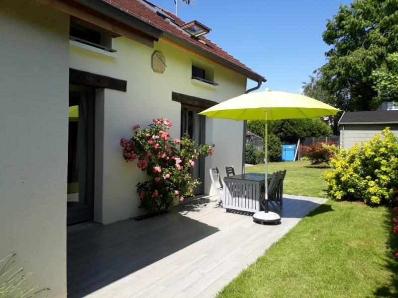 Sale house / villa Montfort-l'amaury 425000€ - Picture 1