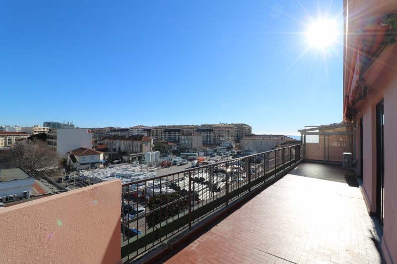 Vendita appartamento Cannes la bocca 367000€ - Fotografia 2
