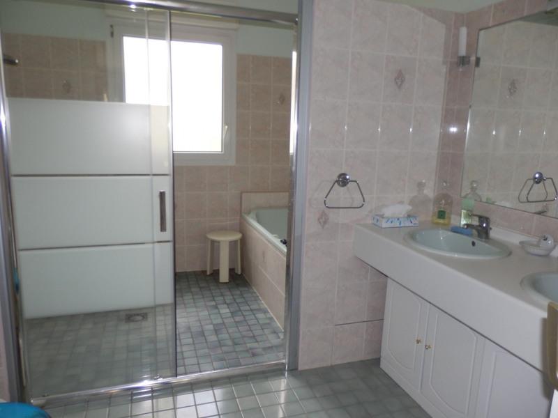 Sale house / villa Montreuil juigne 414500€ - Picture 10