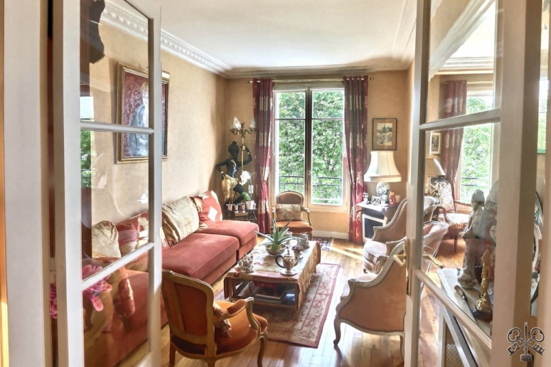 Sale apartment Neuilly sur seine 974000€ - Picture 1