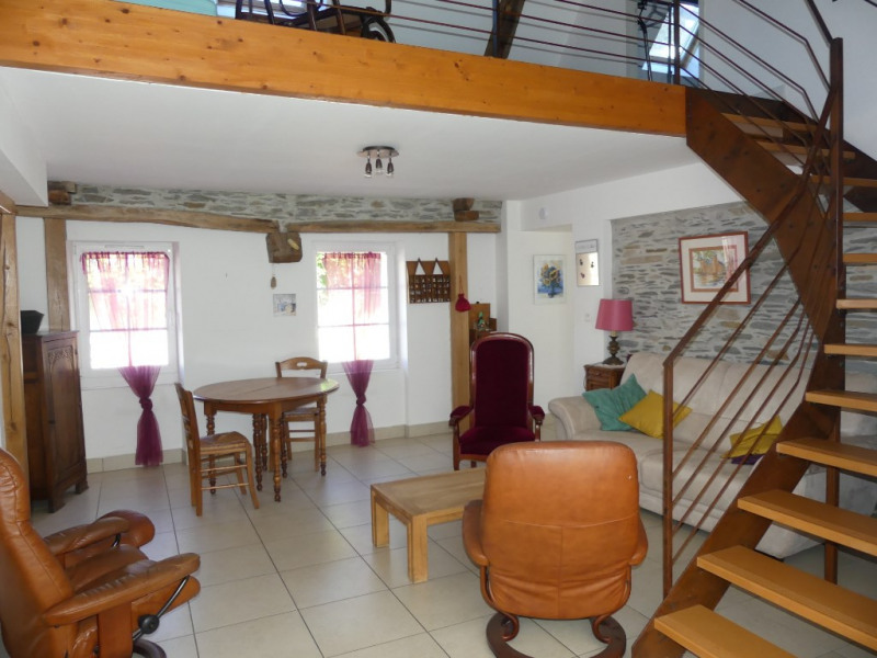 Sale house / villa Saint clement de la place 163 000€ - Picture 2