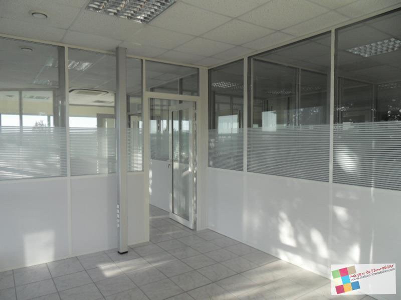 Location bureau Chateaubernard 1833€ CC - Photo 1