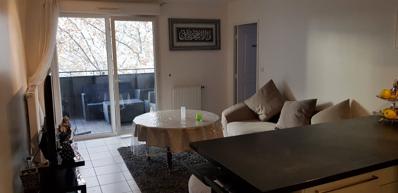 Investment property apartment St fons 145 000€ - Picture 4