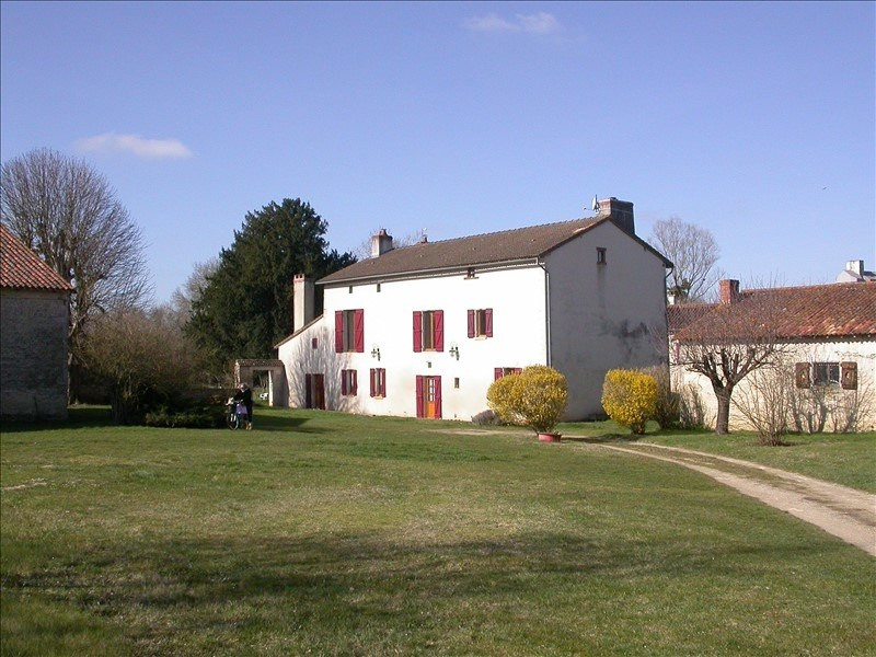 Vente maison / villa Usson du poitou 439000€ - Photo 1