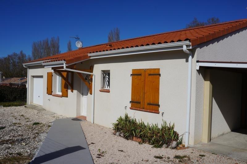 Sale house / villa L isle jourdain 243000€ - Picture 2