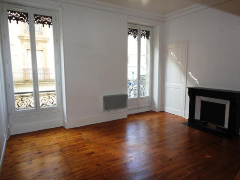 Location appartement Fontaine 441€ CC - Photo 1