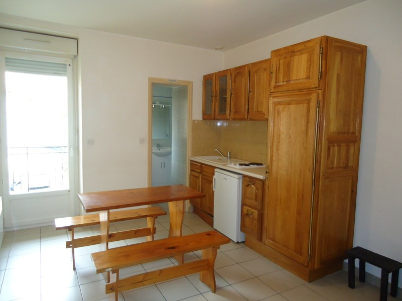 Location appartement Bourgoin jallieu 389€ CC - Photo 1