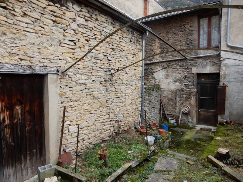 Sale house / villa Crémieu 165000€ - Picture 3