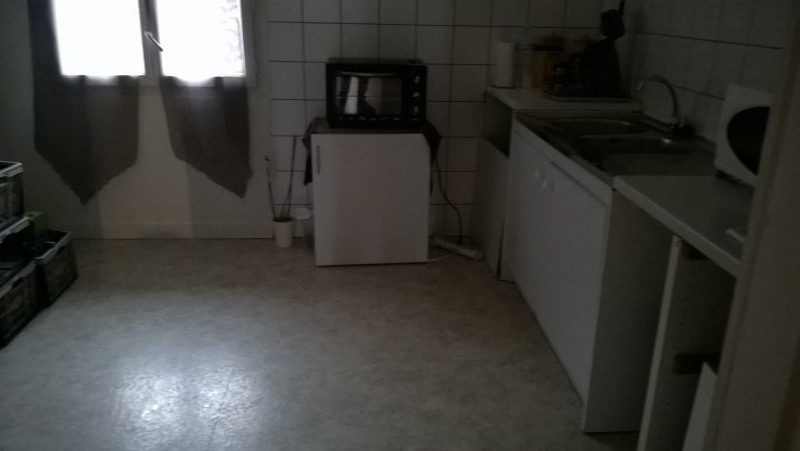Rental apartment Castres-gironde 600€ CC - Picture 2