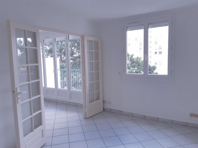 Location appartement Villefranche sur saone 623,42€ CC - Photo 2
