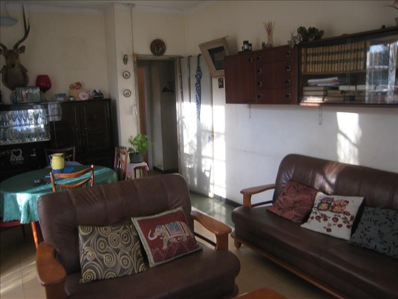 Sale house / villa Le port 254400€ - Picture 3