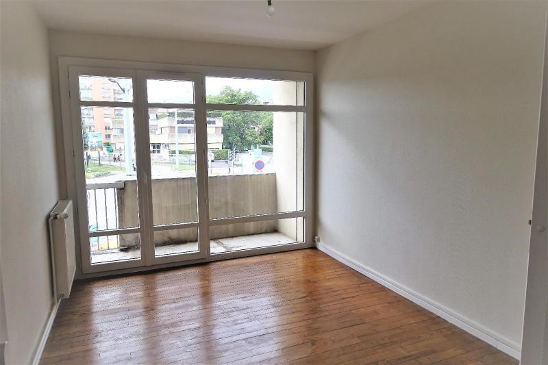 Location appartement Eybens 750€ CC - Photo 3