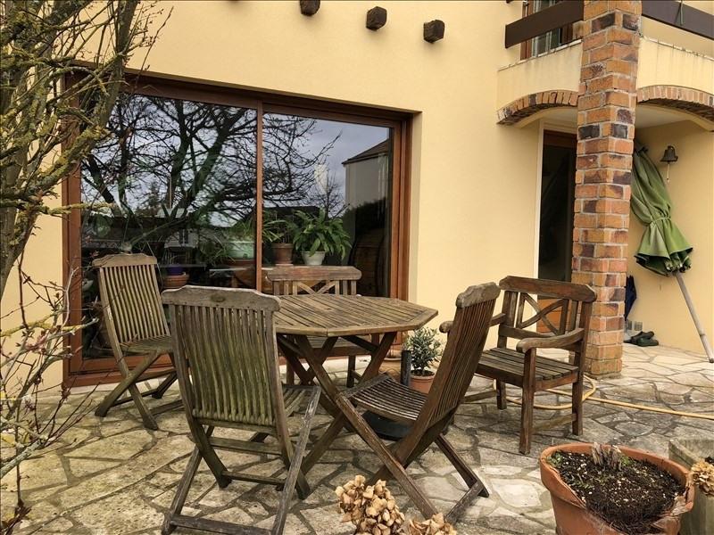 Sale house / villa St germain en laye 712000€ - Picture 2
