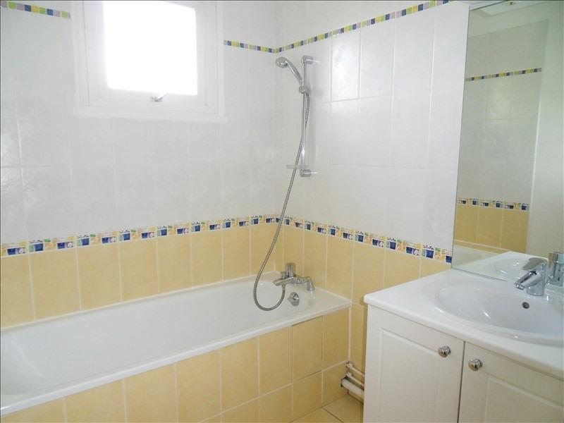 Location appartement Ste foy les lyon 960€ CC - Photo 5