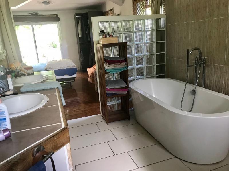 Sale house / villa St louis 370000€ - Picture 6