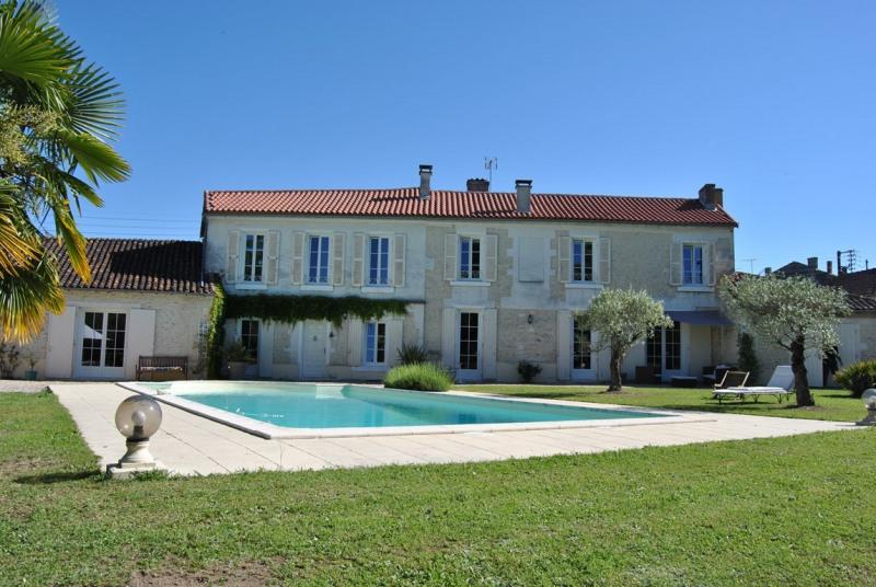 Sale house / villa Cognac 490000€ - Picture 1