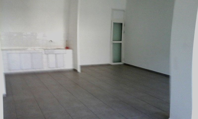 Rental empty room/storage Saint-pierre 1 590€ CC - Picture 1
