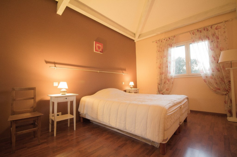 Deluxe sale house / villa Aspremont 810000€ - Picture 9