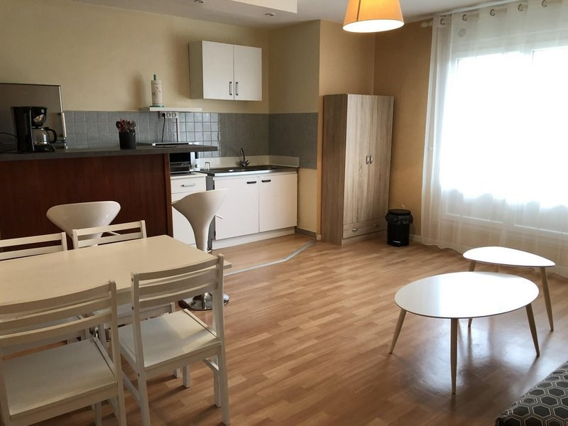 Rental apartment Châlons-en-champagne 432€ CC - Picture 6