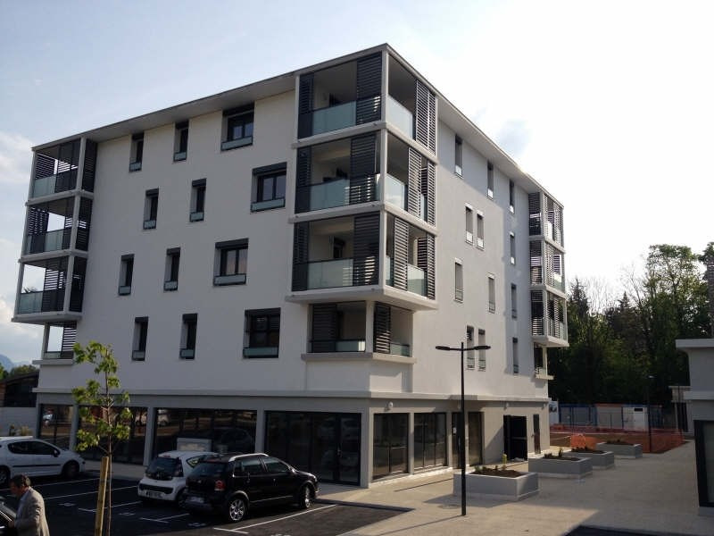 Affitto appartamento Voiron 586€ CC - Fotografia 1