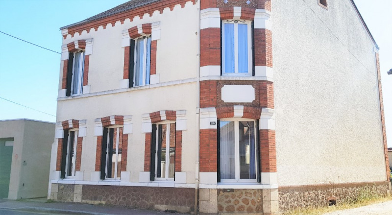 Vente maison / villa Les bordes 108 000€ - Photo 1