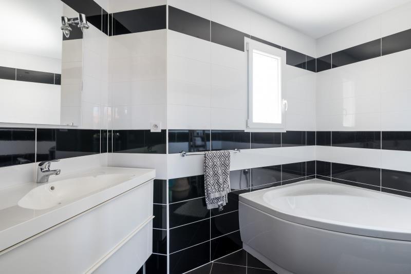 Vente maison / villa St prim 338000€ - Photo 13