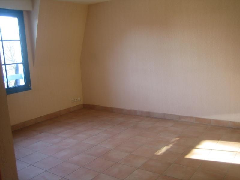 Rental apartment St ave 427€ CC - Picture 3