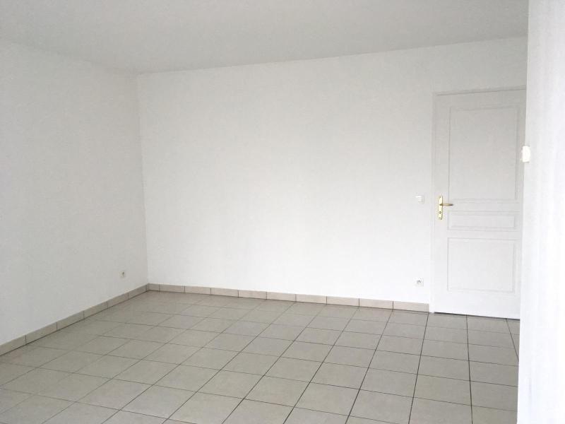 Location appartement Villefranche sur saone 648,92€ CC - Photo 2