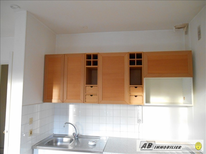 Rental apartment Chambourcy 595€ CC - Picture 2