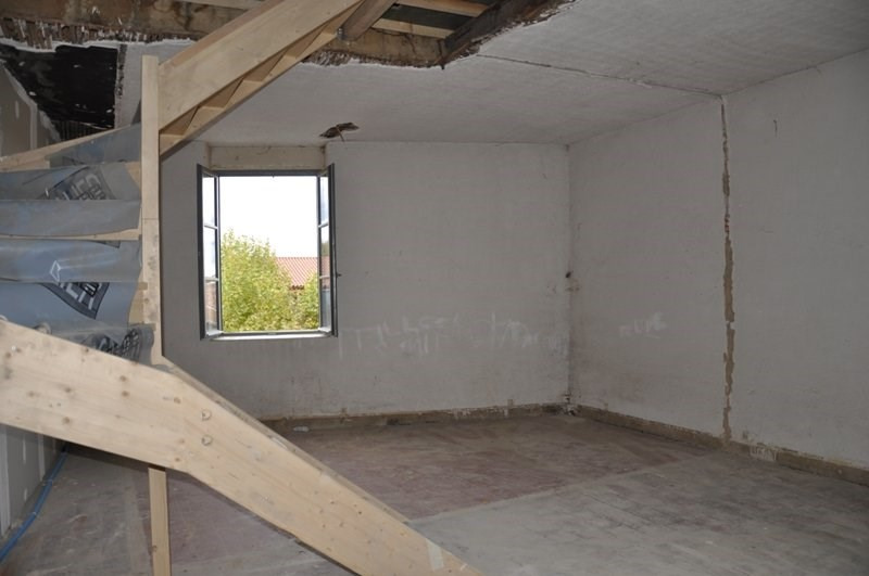 Sale apartment Liergues 118000€ - Picture 2