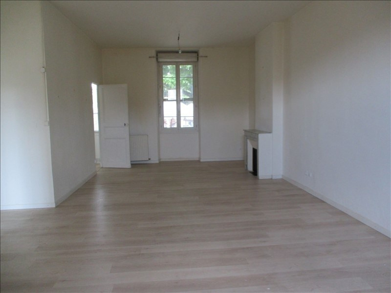Rental apartment Salon de provence 724€ CC - Picture 2