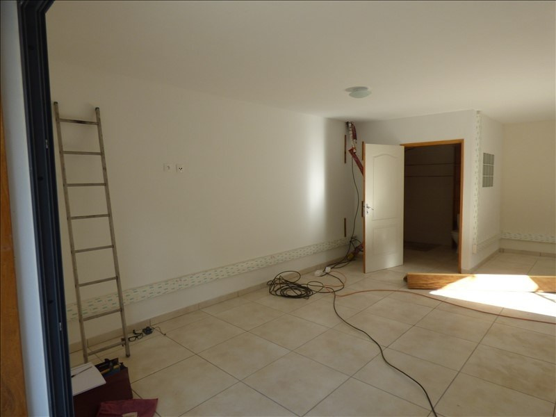 Location local commercial Ravine des cabris 950€ HT/HC - Photo 5