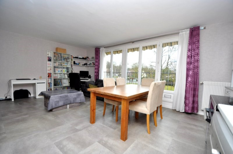 Sale apartment Bruyeres le chatel 165000€ - Picture 2