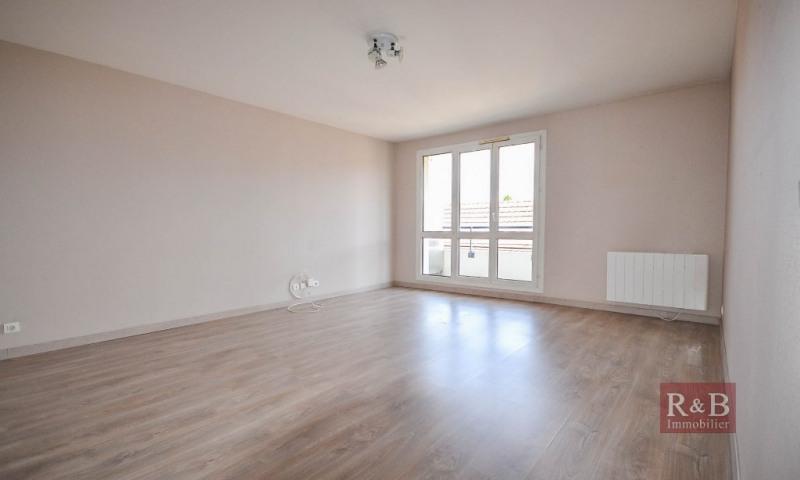 Sale apartment Plaisir 163000€ - Picture 1