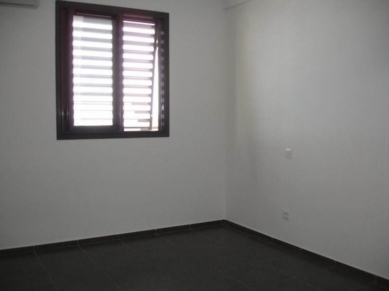 Location appartement St denis 833€ CC - Photo 4