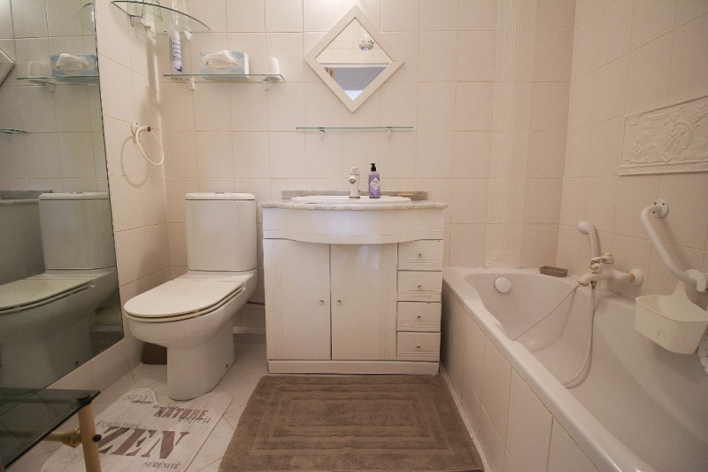Sale apartment Nice 245000€ - Picture 10