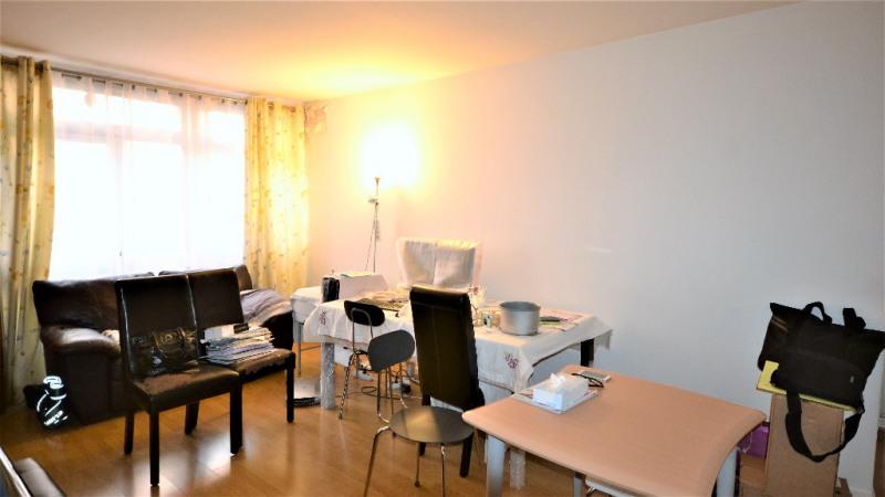 Sale apartment Paris 15ème 579000€ - Picture 1