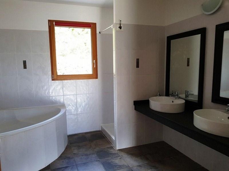 Location maison / villa Collonges au mont d'or 4500€ CC - Photo 8