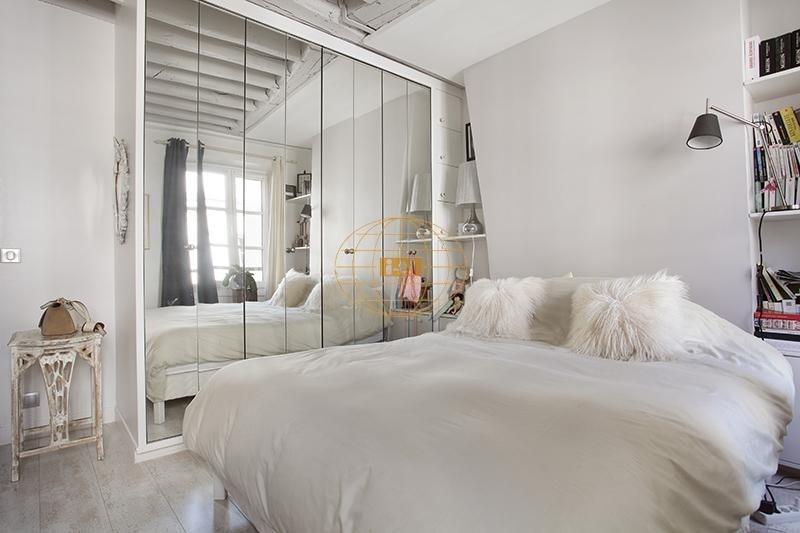 Sale apartment Paris 3ème 830000€ - Picture 7