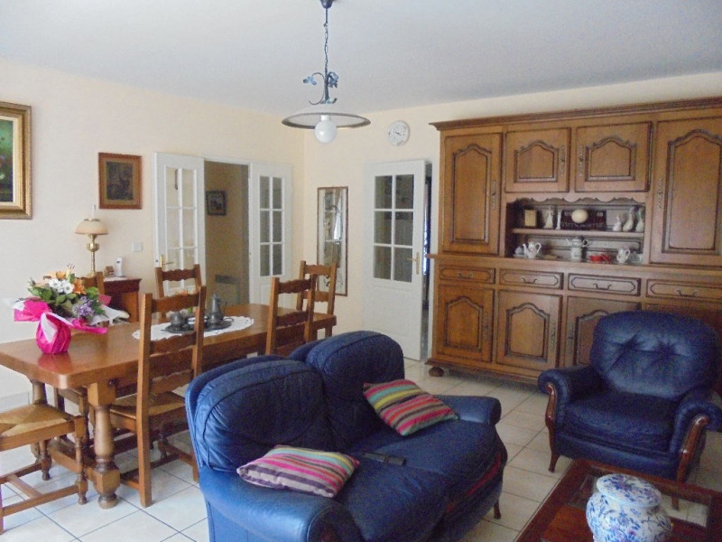 Sale apartment Aire sur la lys 144 000€ - Picture 1