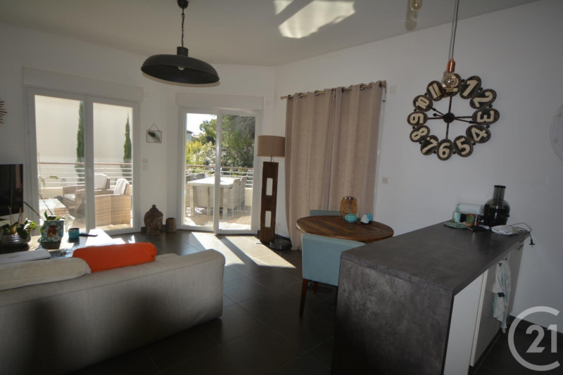 Sale apartment Juan les pins 384 000€ - Picture 3