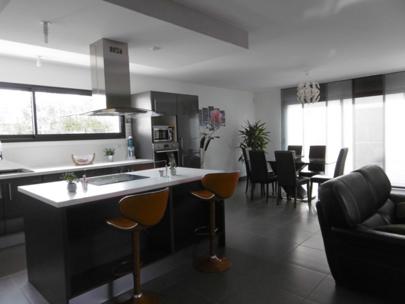 Sale house / villa Montmain 308000€ - Picture 4