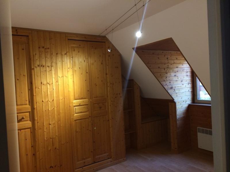 Sale house / villa Les essarts le roi 376000€ - Picture 9